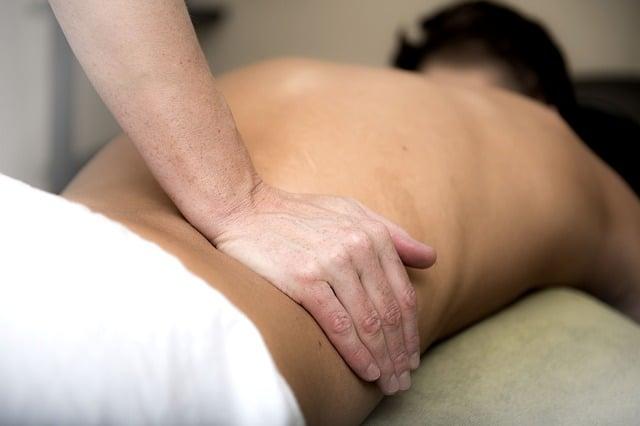 Douleur en bas du dos et ostéopathie
